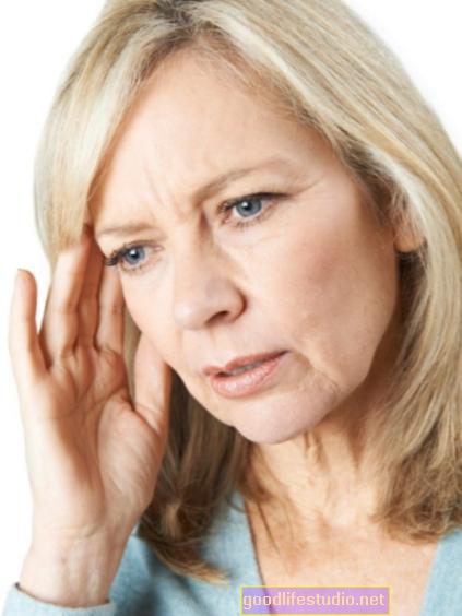 Daugiau vidutinio amžiaus suaugusiųjų, ieškančių pagalbos dėl atminties problemų