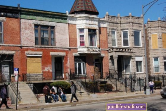 体重増加に結びついた貧しい近所への移動