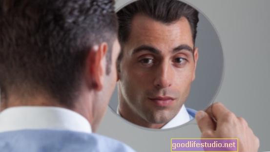 自己陶酔的な男性はストレス、心臓の健康に高いコストを支払う可能性があります