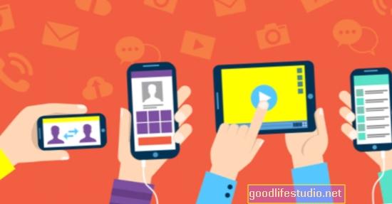 Публікації нових мам у соціальних мережах можуть поставити під загрозу конфіденційність дітей