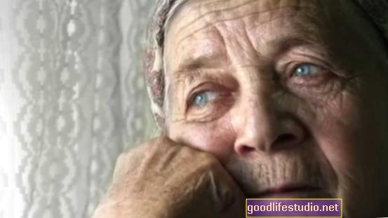 Възрастните възрастни, по-уязвими за депресия при пандемия, но силните социални връзки могат да помогнат