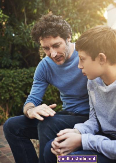 По-възрастните деца са по-склонни да виждат допускането на грешки пред родителите като правилно нещо