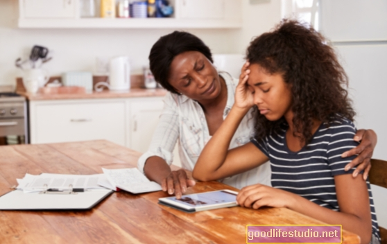 El agotamiento de los padres no es bueno para padres o hijos