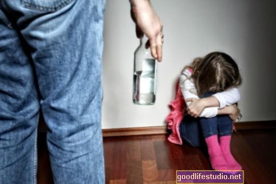 El comportamiento de los padres afecta el riesgo de abuso para niños con discapacidades