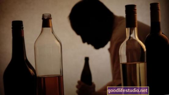 Los problemas con el alcohol de los padres pueden aumentar el riesgo de violencia en las parejas adolescentes