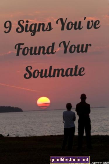 Es posible que la pareja no se dé cuenta de que su compañero está ocultando las emociones