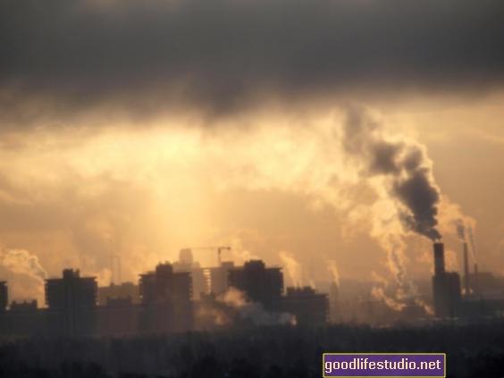 Szennyezett levegő kötődik az öngyilkossági kockázat túrázásához