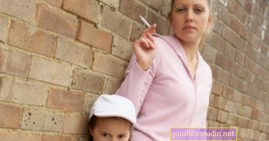 Fumo prenatale + Genetica = Comportamento aggressivo dei bambini
