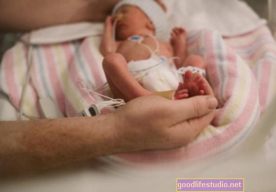 Los niños prematuros pueden tener problemas de impulsividad como los privados de los orfanatos