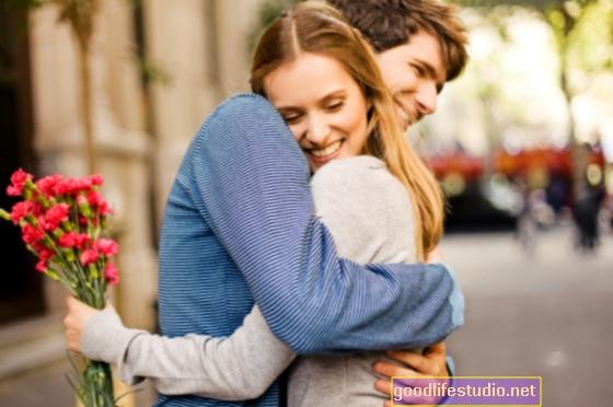 A romantikus lehetőségek befolyásolhatják a nők szexuális identitását
