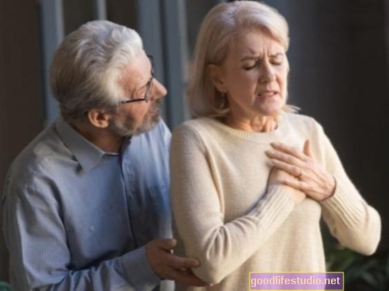 قد تواجه النساء التي تهدأ أنفسها زيادة في خطر الإصابة بالسكتة الدماغية
