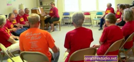 Cantar puede mejorar la función motora y reducir el estrés en los pacientes de Parkinson