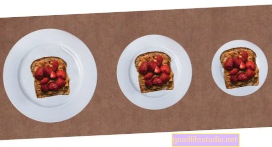 Los platos más pequeños no siempre conducen a porciones más pequeñas