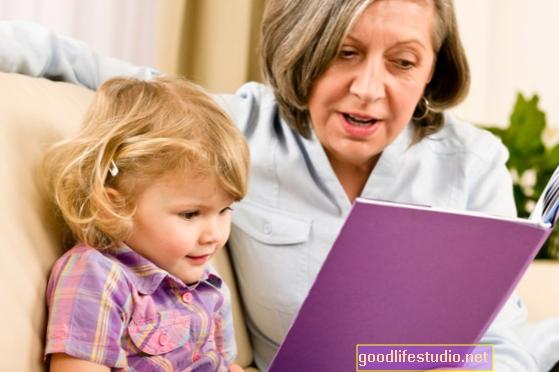 Samostalni djedovi i bake podižu unuke s visokim rizikom zbog ozbiljnih zdravstvenih problema