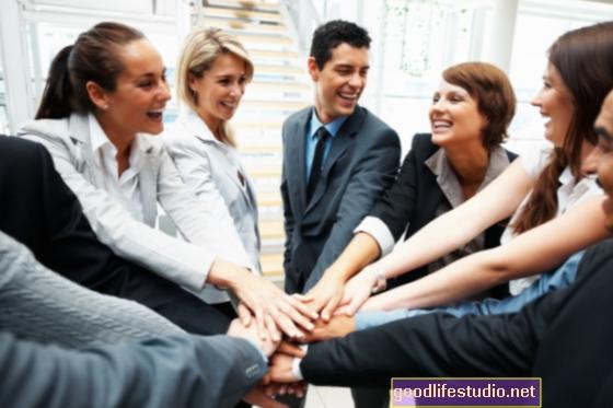 सहकर्मियों के साथ मजबूत संबंध दीर्घायु में सुधार कर सकते हैं