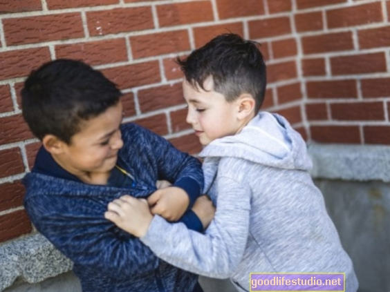 Šikana studentů může poškodit oběti i pachatele