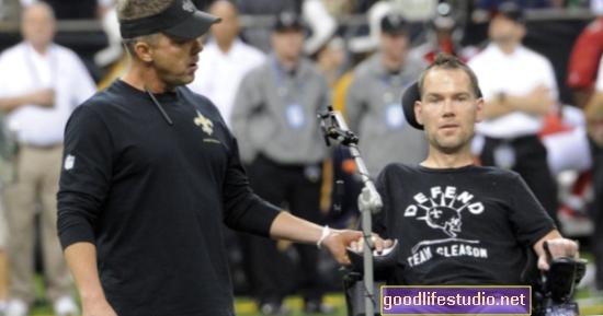 A nyugdíjas NFL-játékosok vizsgálata agyrázkódással összefüggő agykárosodást mutat be