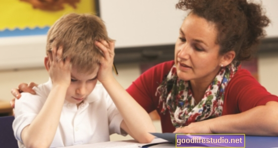 Apoyar a los niños a través de cambios académicos puede impulsar el bienestar y la autoestima