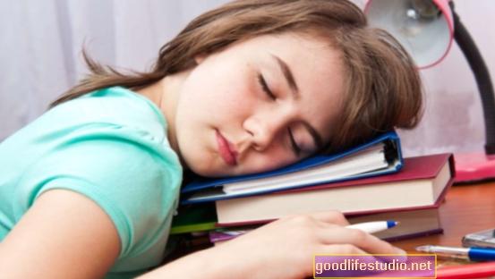 Los patrones de sueño de los adolescentes están relacionados con el riesgo de obesidad