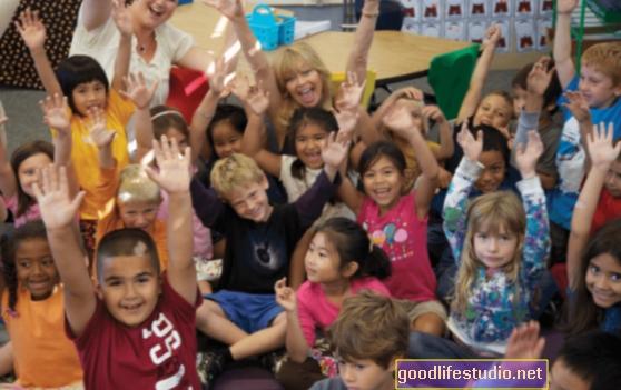 ¿Qué ayuda a los niños a prosperar frente a la adversidad?