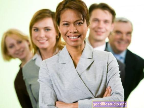Cuando la personalidad se adapta a las demandas laborales, puede resultar en mayores ingresos