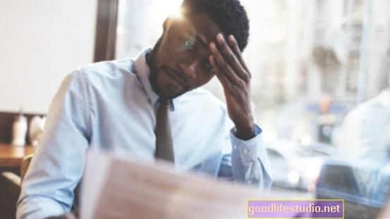 El estrés laboral puede llevar a comer en exceso, pero un buen sueño puede proporcionar un amortiguador