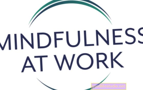 La consapevolezza sul posto di lavoro può aiutare la concentrazione, le obbligazioni dei dipendenti