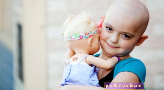 Mladí pacienti s rakovinou získávají sebevědomí prostřednictvím fotografie z celého života