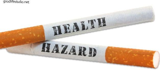 У курильщиков с дегенеративным заболеванием шейки матки хирургическое вмешательство раньше и чаще