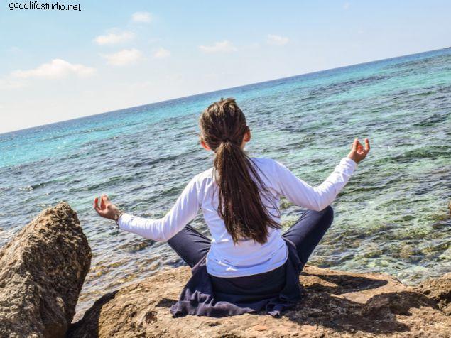 Técnicas de respiración y meditación de yoga para el dolor de espalda