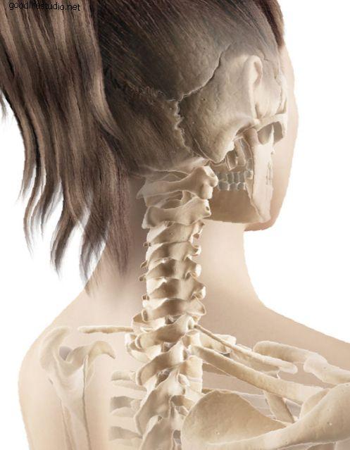 Симптоми јувенилног идиопатског артритиса могу укључивати болне, натечене и укочене зглобове