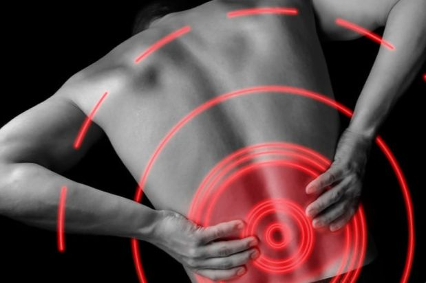 経椎間孔硬膜外注射は足と背中の痛みを治療します