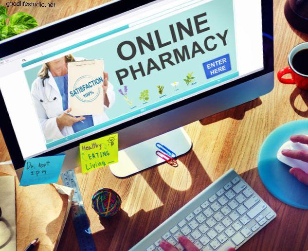 Покупка в интернет-аптеках: перевешивает ли удобство риски?