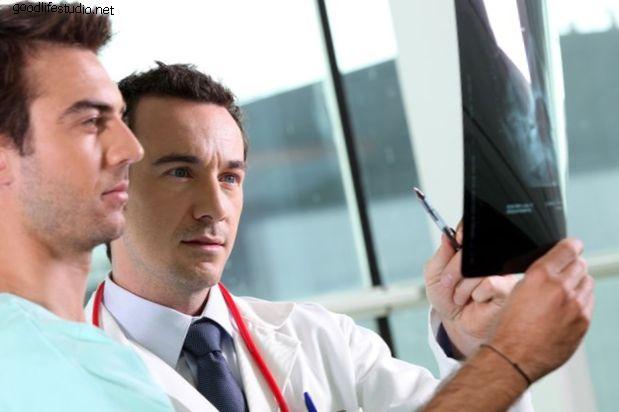 Нейрохирург или Ортопед Хирург?  Это имеет значение?