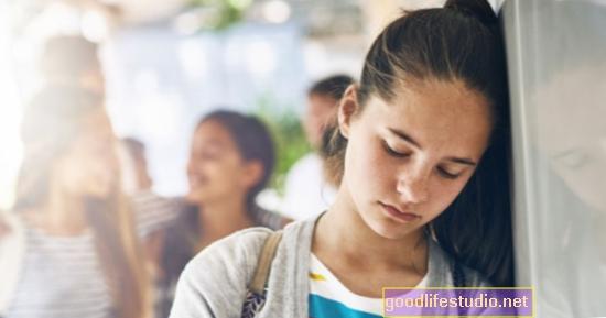 A tizenévesek szorongása elkerülhető magatartássá válhat