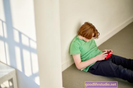 Gli adolescenti depressi amano usare Internet, giocare ai videogiochi