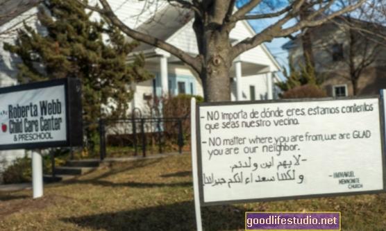 Những người hàng xóm của chúng ta có quan trọng hơn với chúng ta không?