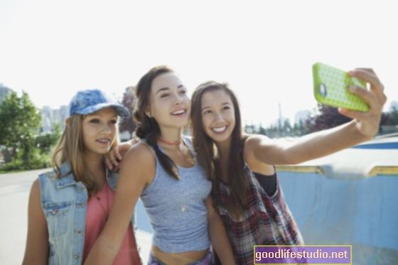 लड़की के संबंध: 8 लेबल किशोर से बचना चाहिए