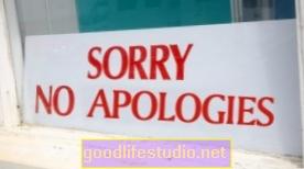Koliko stalno ispričavanje utječe na naše osobne odnose