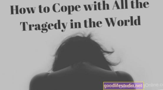 त्रासदी और नुकसान के साथ कैसे सामना करें