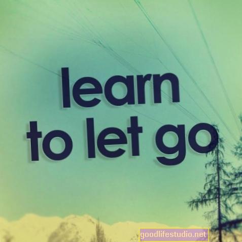 Навчитися відпускати і довіряти життєвому потоку - навіть якщо це руйнує