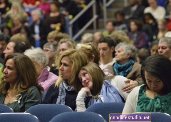 Podcast: Sandy Hook: Penyembuhan Komuniti Selepas Trauma Skala Besar