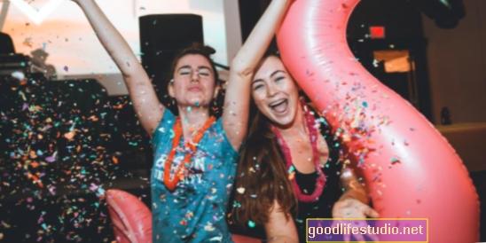Reinventando las fiestas universitarias con Daybreaker Campus
