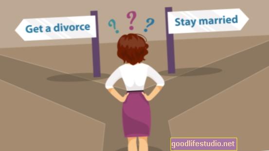 Ar turėtumėte atidėti skyrybas? 3 būdai, kaip poros tai atmeta