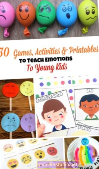 تعليم الأطفال التعرف على مشاعرهم والتعامل معها